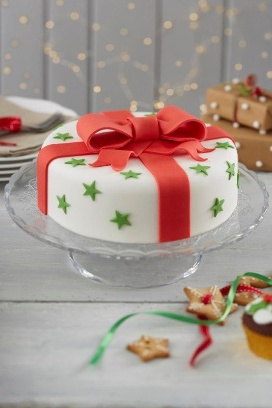 Christmas-Cake-Decoration-Ideas-2017-15 82 Mouthwatering Christmas Cake Decoration Ideas 2017