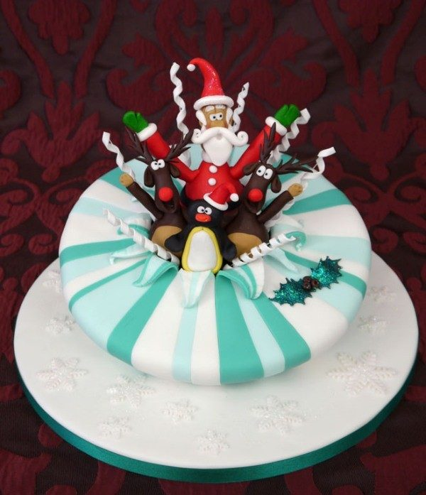 Christmas-Cake-Decoration-Ideas-2017-24 82 Mouthwatering Christmas Cake Decoration Ideas 2017
