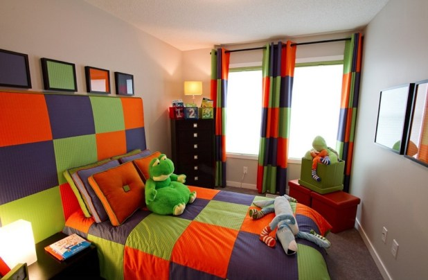 Triadic-kids-room-design-with-pretty-color-combinations-in-rainbow-colors-including-curtain-and-bedding 5 Stylish Bedroom Designs For Your Comfort