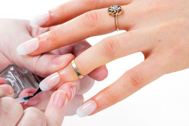 applying-nail-polish The Easiest Way to Apply Caviar Manicure