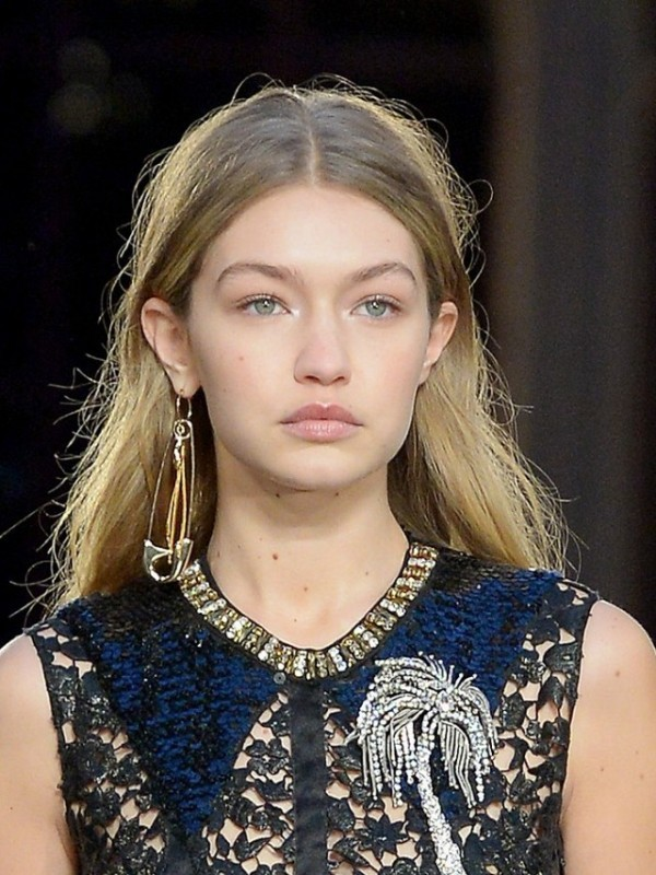 safety-pins-2 23 Most Breathtaking Jewelry Trends in 2017