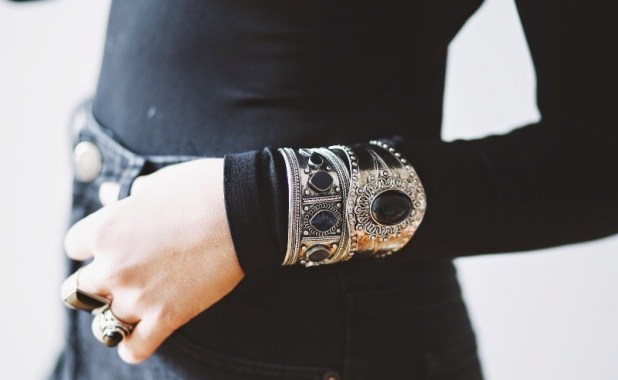 wearing-bracelets-over-gloves-and-sleeves-1 23 Most Breathtaking Jewelry Trends in 2017