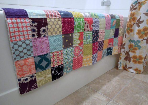 DIY-bath-rug5-675x481 6 Easy DIY Bathroom Rugs