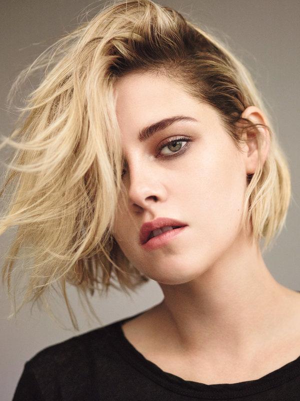 Kristen-Stewart 15+ Fashionable Tremendous Celebrities' Hairstyles