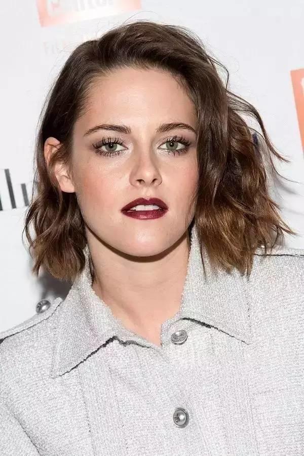 Kristen-Stewart6 15+ Fashionable Tremendous Celebrities' Hairstyles
