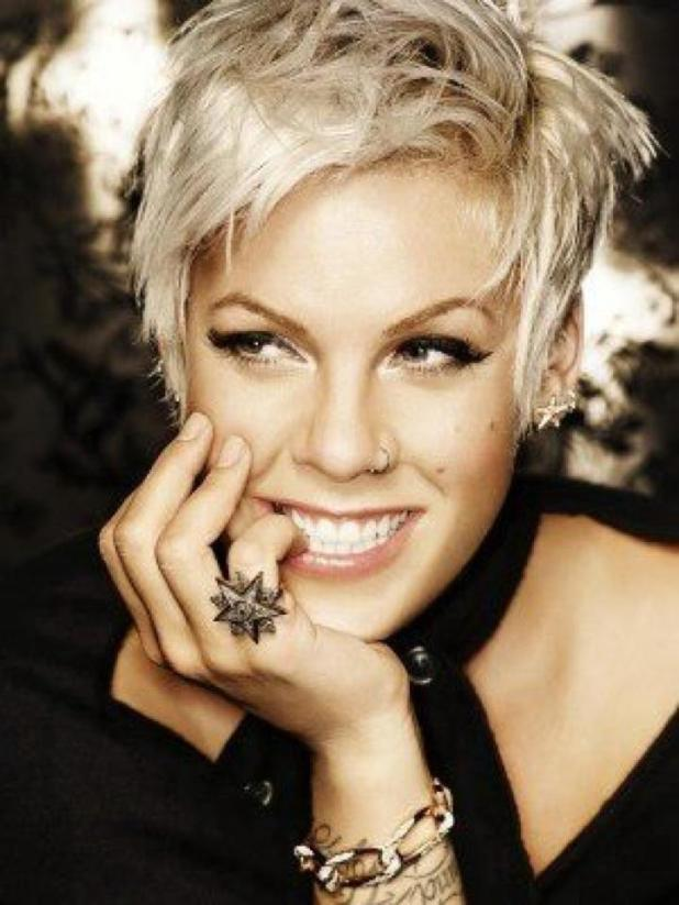 Pink4-675x899 15+ Fashionable Tremendous Celebrities' Hairstyles