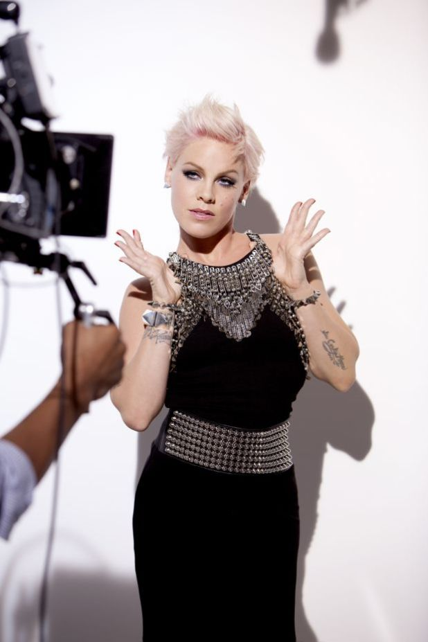Pink5 15+ Fashionable Tremendous Celebrities' Hairstyles