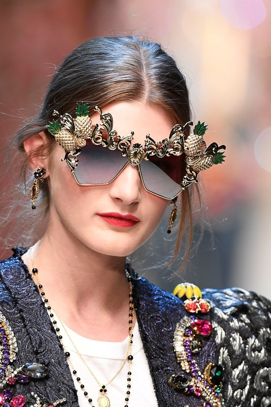 embellished-sunglasses-8 11 Hottest Eyewear Trends for Men & Women 2017