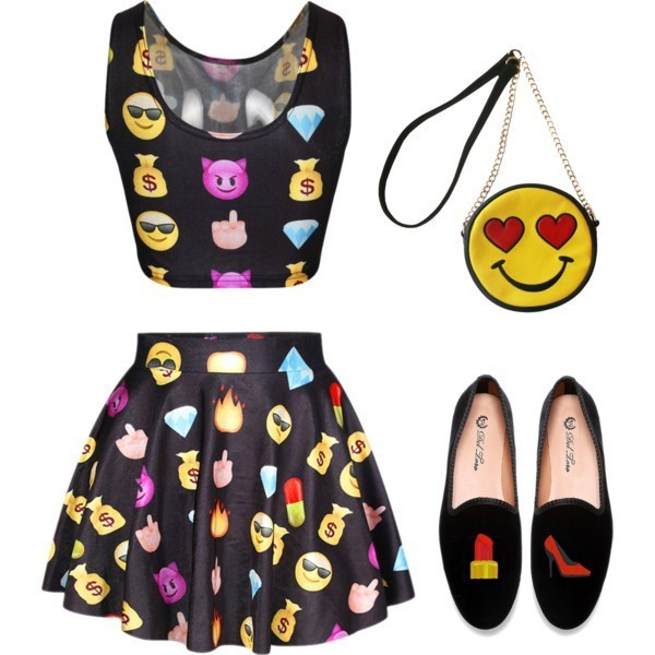 emoji-outfit-ideas-5 50 Affordable Gifts for Star Wars & Emoji Lovers
