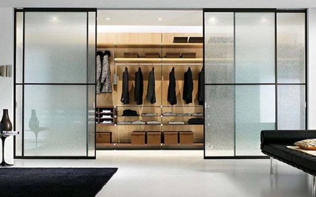 transparent-glass-wardrobe-675x422 6 Brilliant Designs of Bedroom Wardrobes