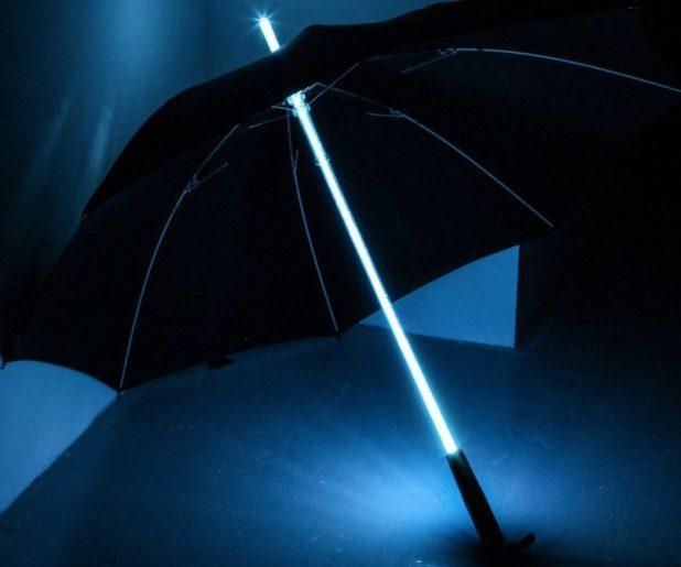 Light-Saber-Umbrella3 15 Unusual Designs For Umbrellas