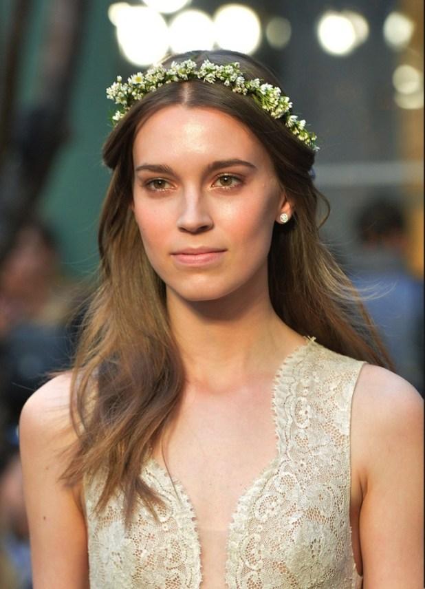 Monique-wedding-tiara-675x935 2017 Wedding dresses Trends for a Gorgeous-looking Bride
