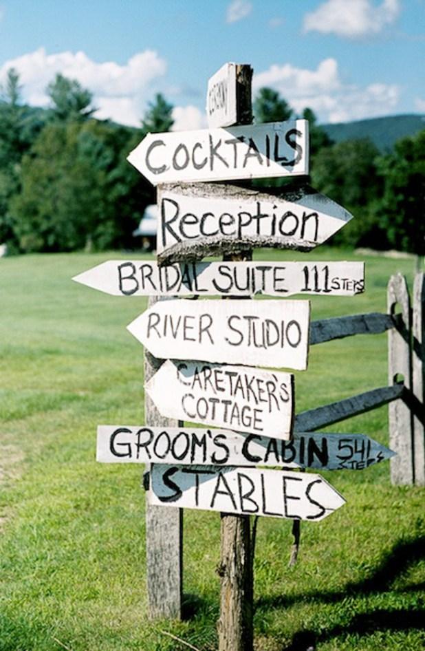 Signposts1 10 Best Ideas For Outdoor Weddings in 2017