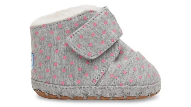 Toms-baby-girl-shoes4-Grey-Polka-Dot-1-675x379 20+ Adorable Baby Girls Shoes Fashion for 2017