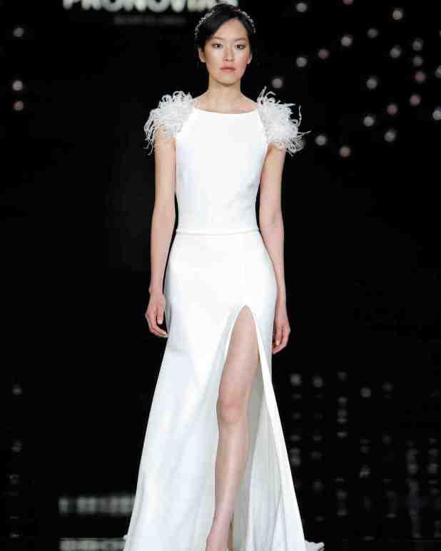 atelier-pronovias-spring2017-015_vert-675x844 2017 Wedding dresses Trends for a Gorgeous-looking Bride