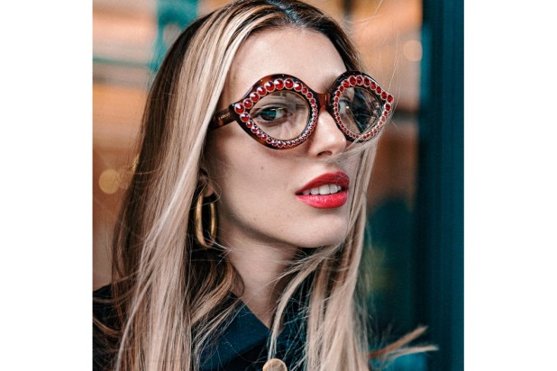 glasses-6-675x450 20+ Eyewear Trends of 2017 for Men and Women
