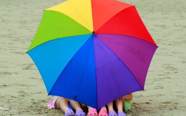 rainbow_umbrella-1680x1050 15 Unusual Designs For Umbrellas