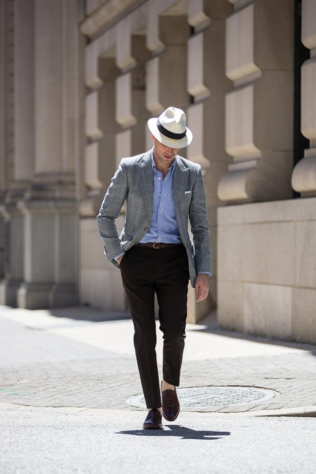 wearing-shoes-without-socks 10 Most Stylish Outfits for Guys in Summer 2017