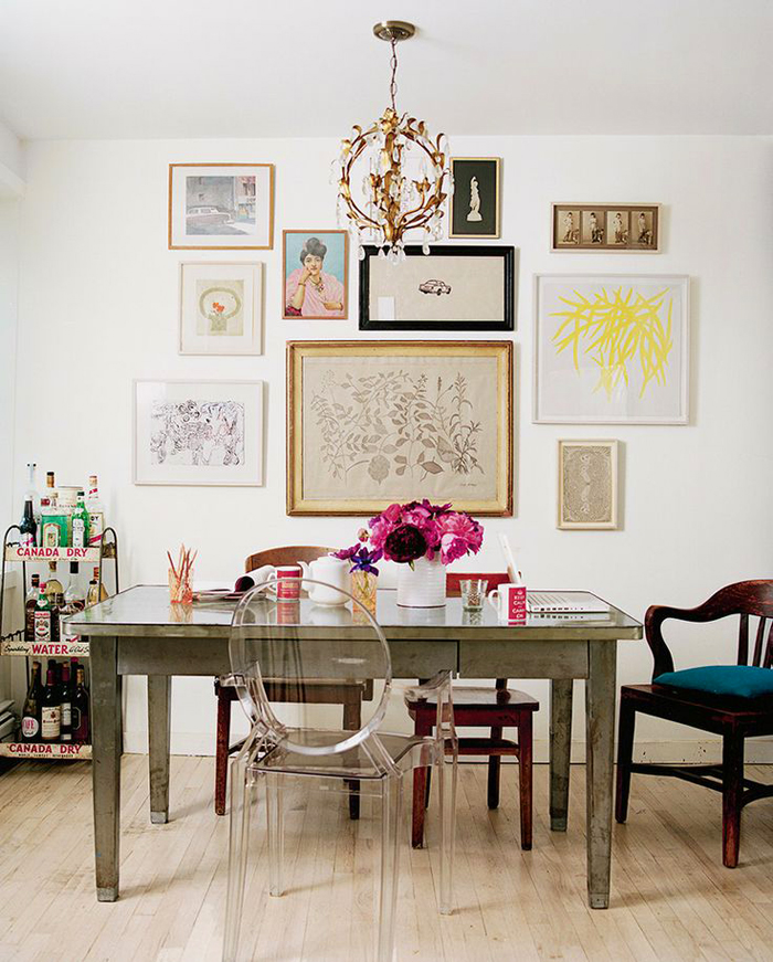 art-gallary-wall-7 5 Outdated Home Decor Trends That Are Coming Again in 2018