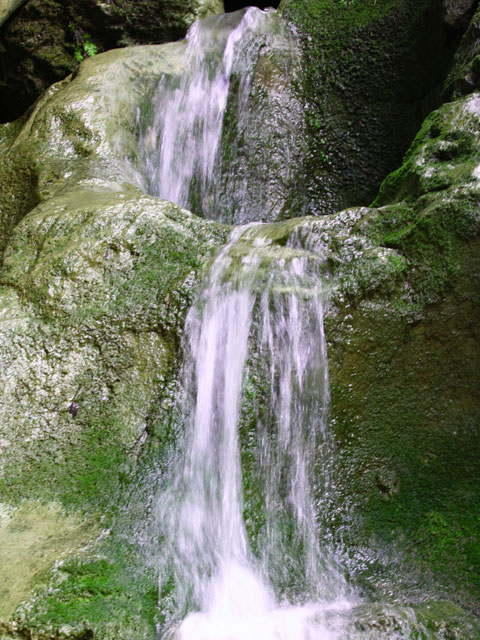 bicaz_water_fall.jpg