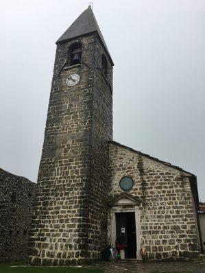 Kostol sv. Trojice v dedinke Hrastovlje