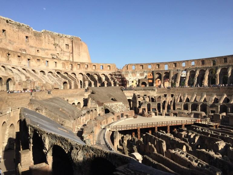 Koloseum, asi najznámejšia pamiatka klasického Ríma. Tu zvádzal svoje boje gladiátor Russel Crowe :)