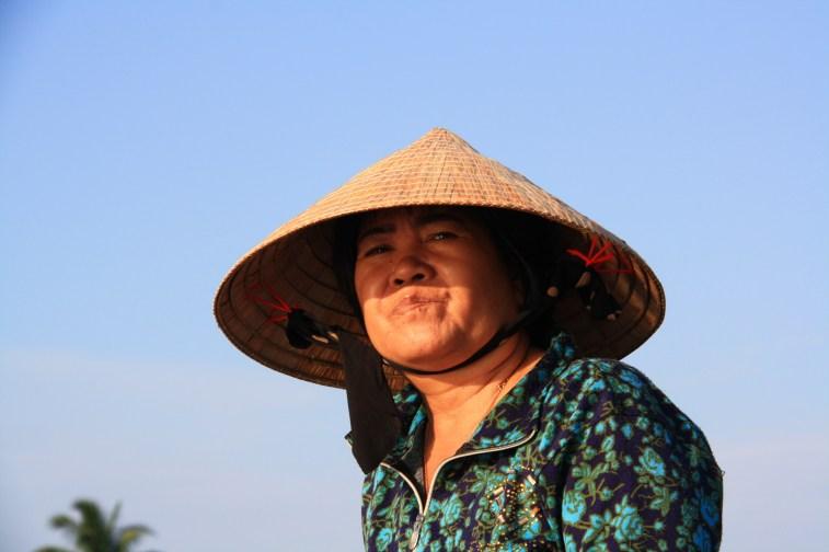 Vietnamská žena v delte Mekongu.