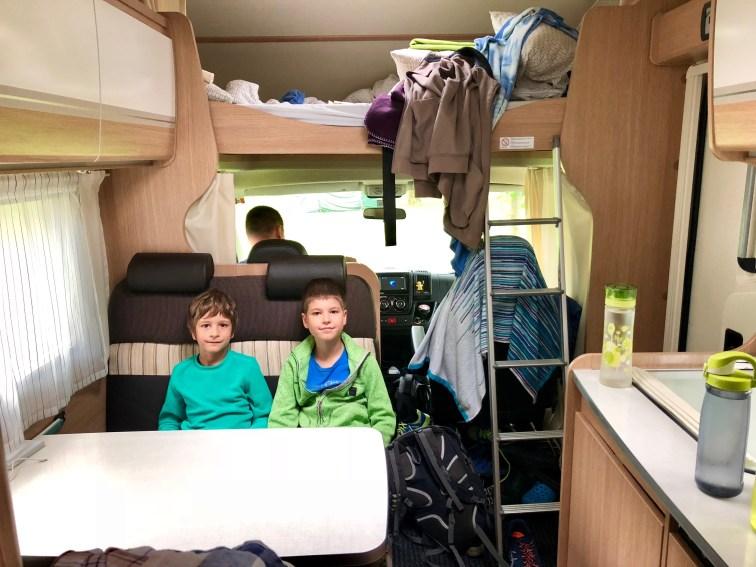 A takto vyzerá bordel v karavane :D