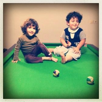 KIDS ON TABLE
