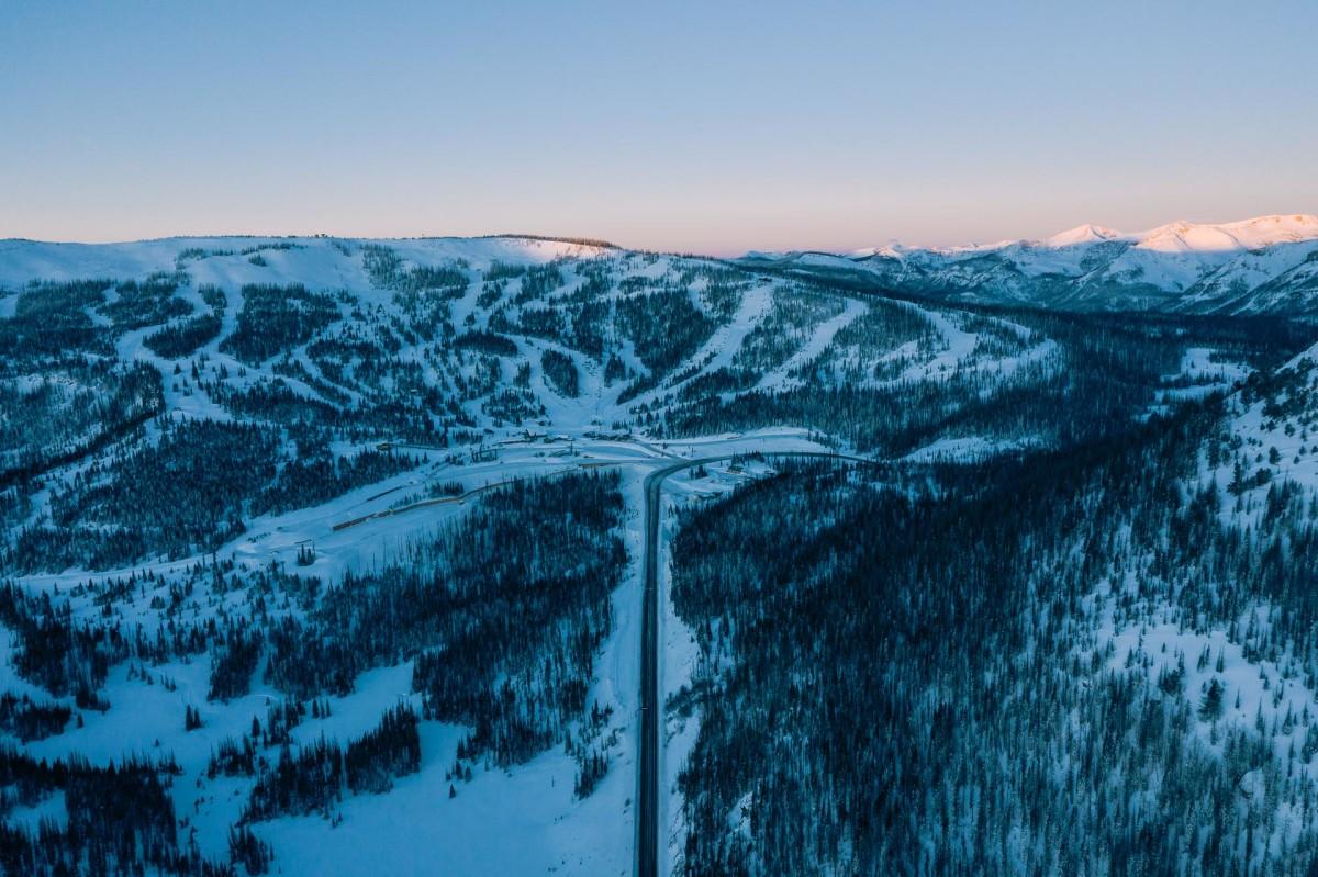 How Magazine Grew Colorado By ShrinkingPowder Creek Wolf c3u5lFJTK1