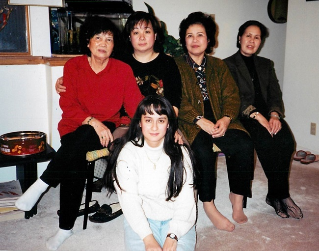 Vietnamese women family