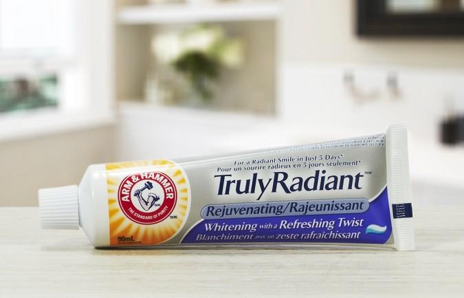 Truly Radiant™ Rejuvenating Toothpaste (3)