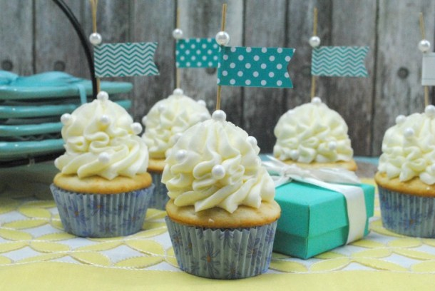 fancy-vanilla-cupcake-2--e1454883246279