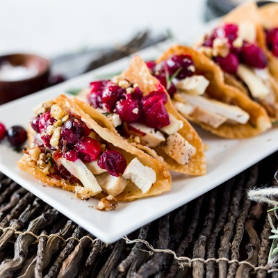 Cranberry Brie Chicken Wonton Tacos Recipe
