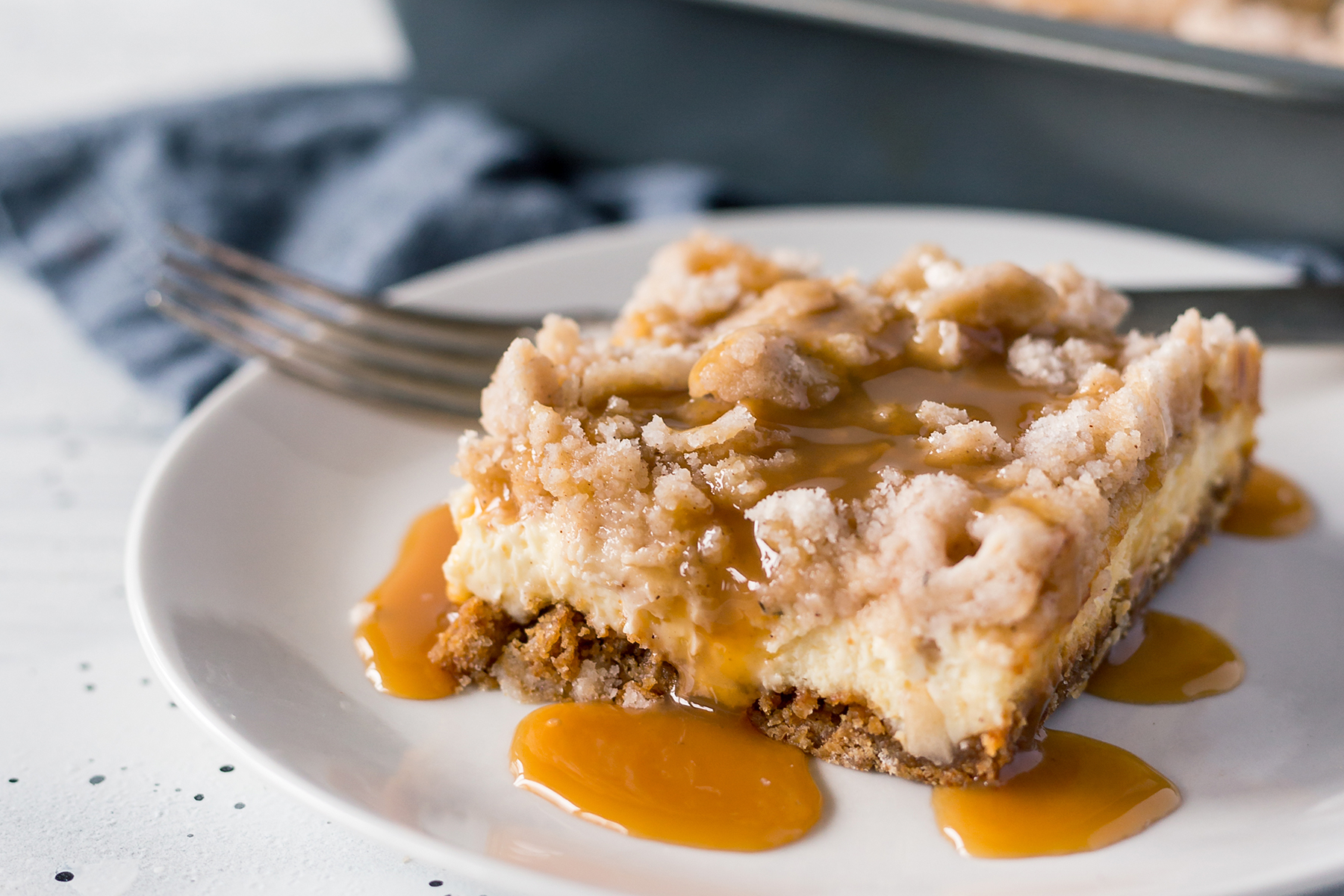 salted caramel apple cheesecake bars