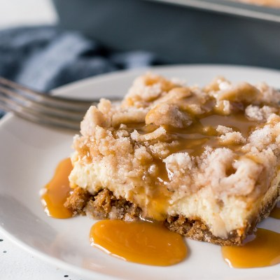 Salted Caramel Apple Cheesecake Bars Recipe
