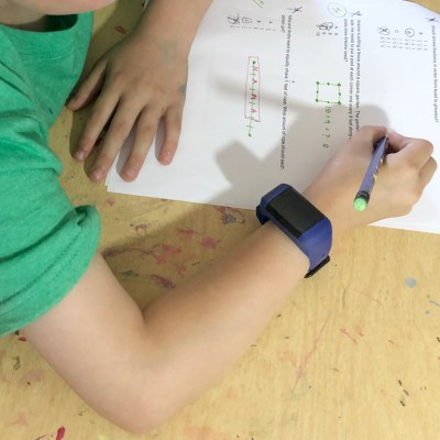 Distracted Kids wearable device