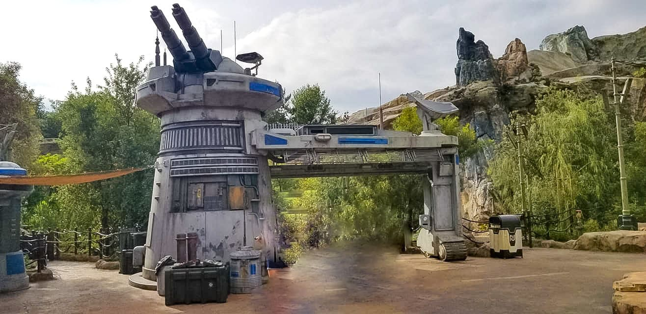 Galaxy's edge, star wars, disneyland, galaxy's edge food, galaxy's edge shops, galaxy's edge attractions, galaxy's edge story