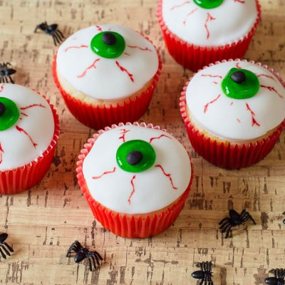Halloween Eyeballs Easy Halloween Cupcakes
