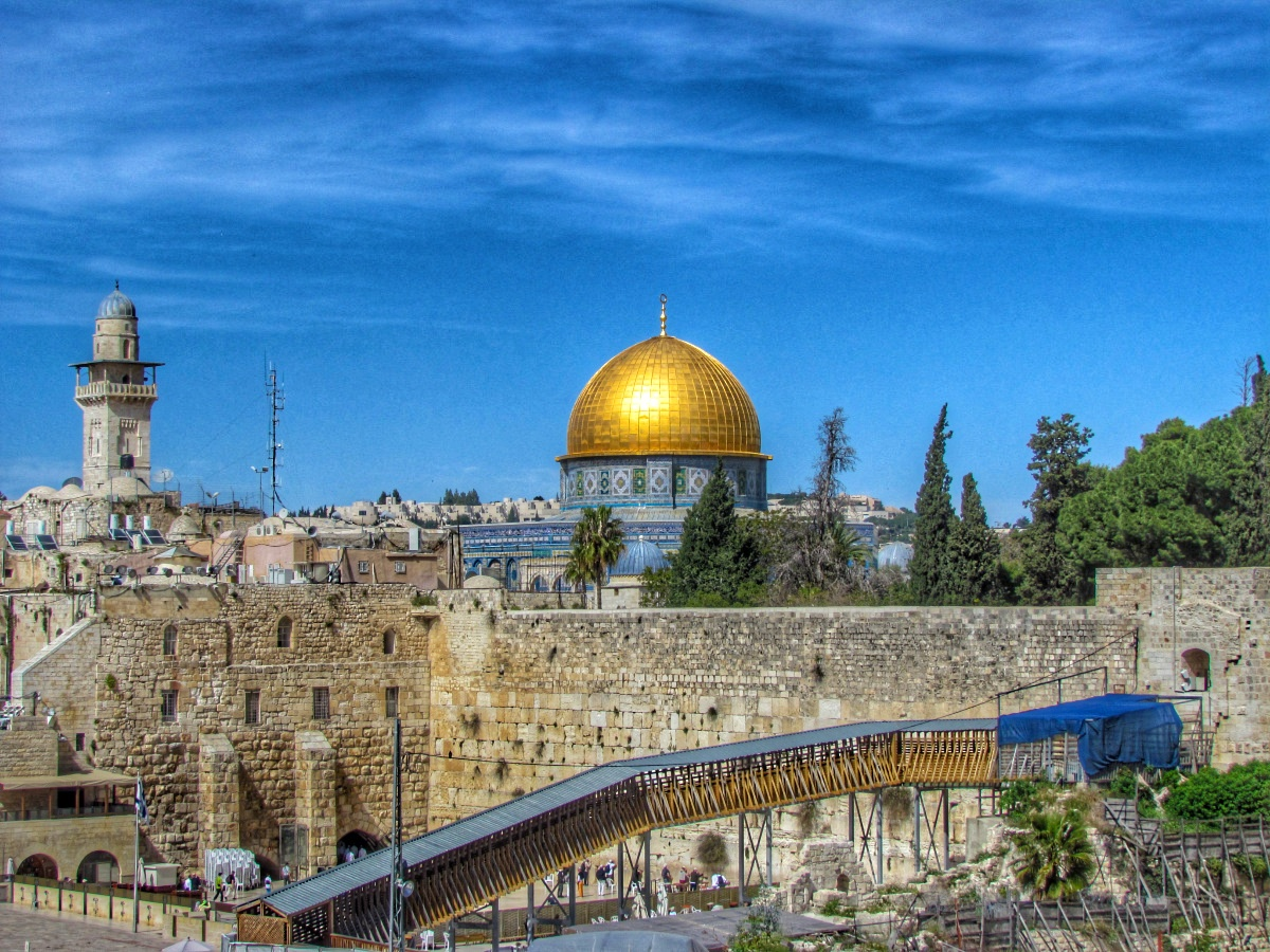 10 Reasons Why You Should Visit Israel