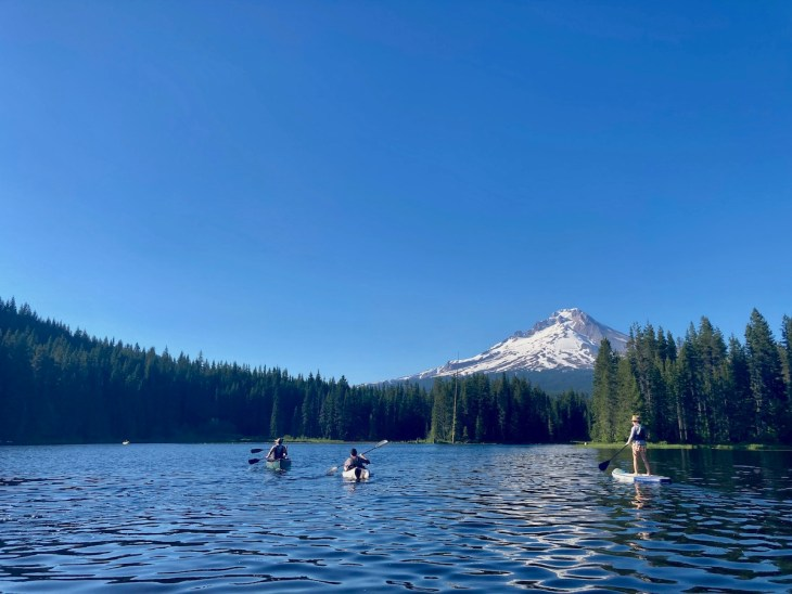 kayaking and paddle boarding at Trillium Lake Mt Hood