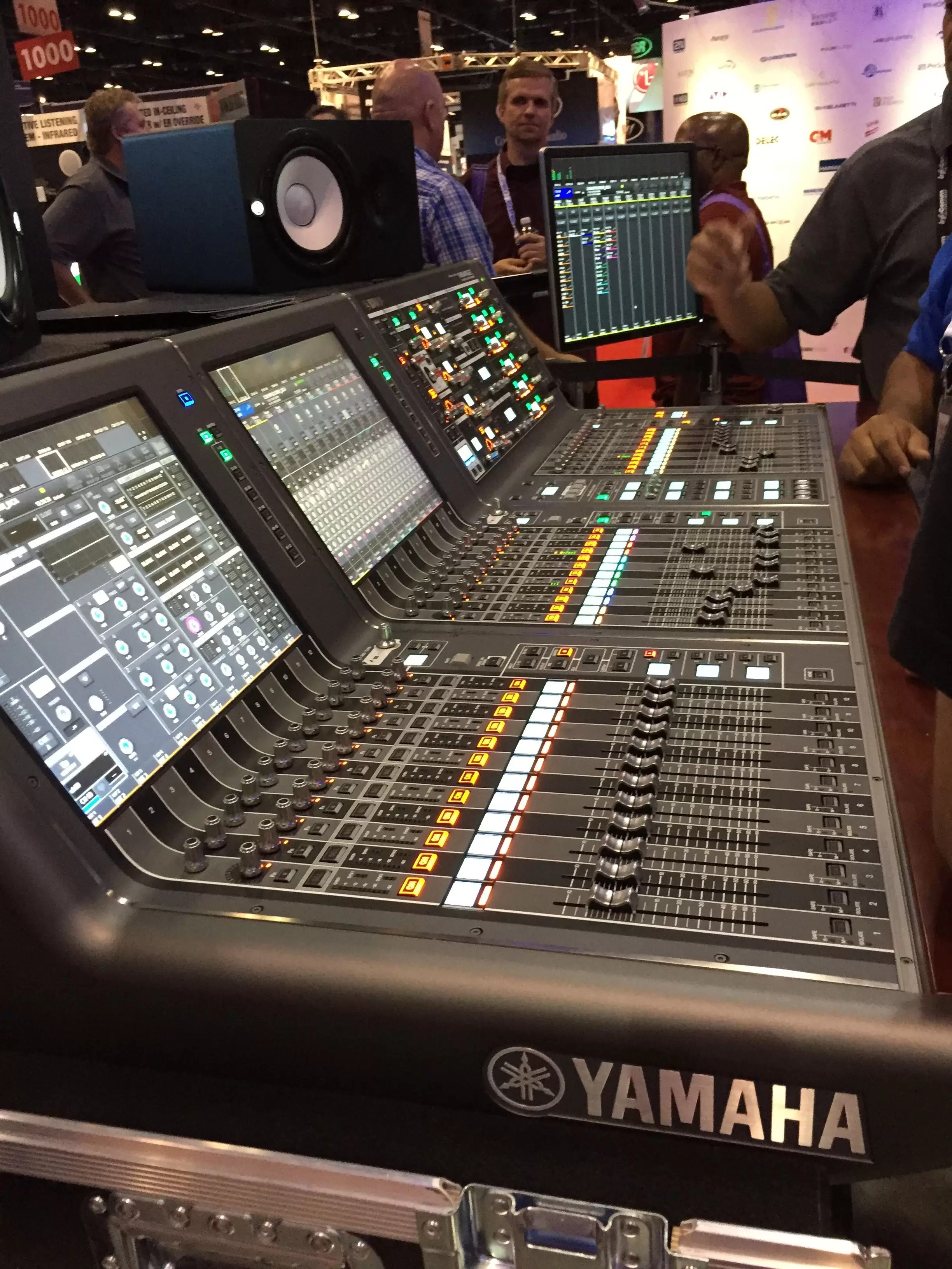 YAMAHA Rivage PM10 Large Frame Digital Mixing Console