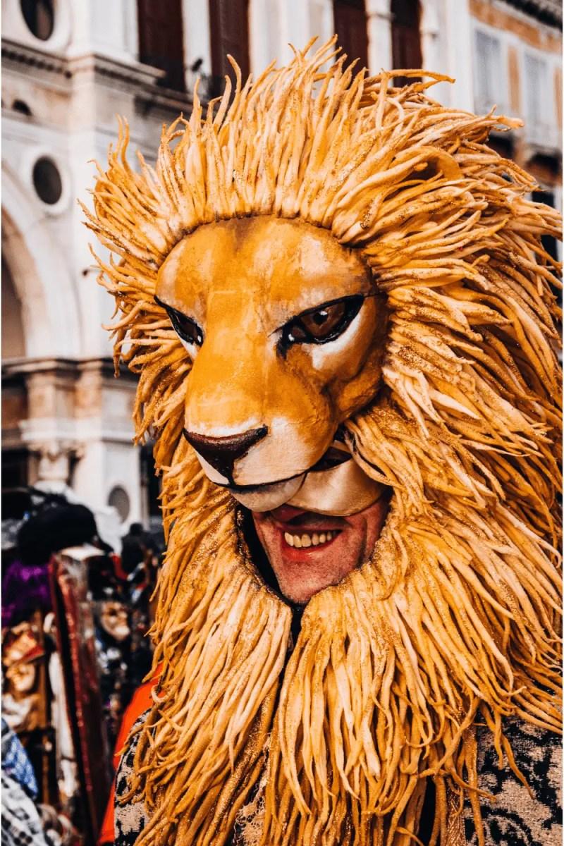 Brown lion head couples Halloween costume