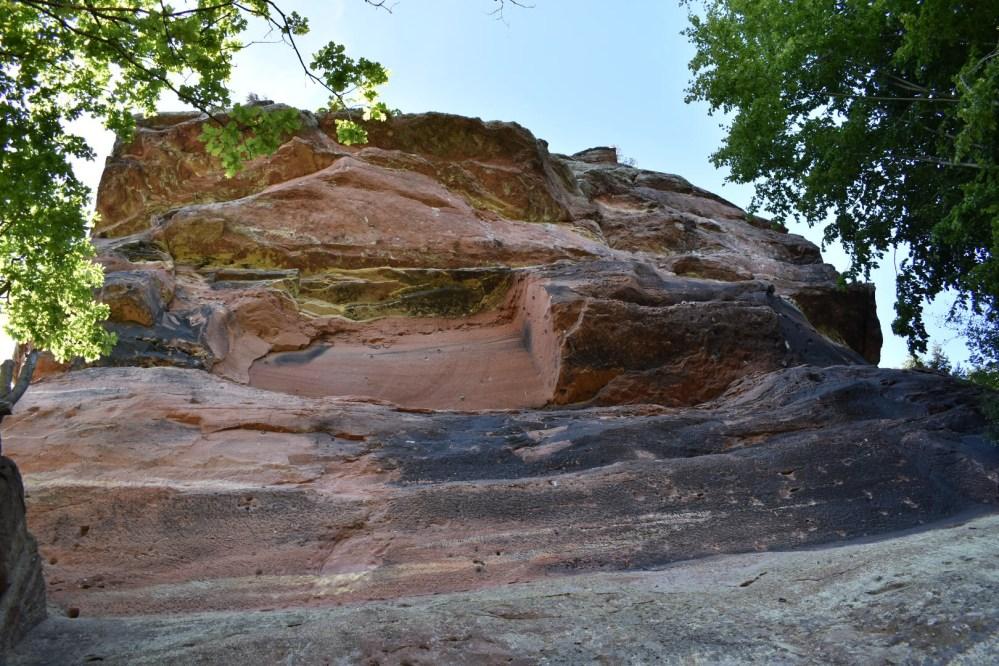 Großer Teil eines Felsen bei Windstein