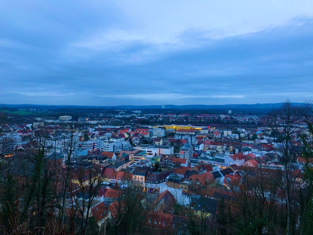 Stadtlandschaft im Morgengrauen