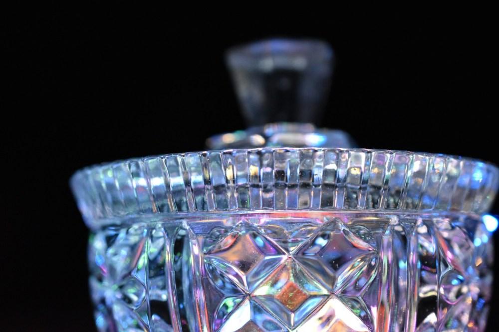 Hell strahlendes Kristallglas