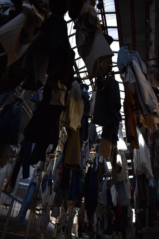 Garderobe des ehemaligen Bergwerks Schacht Wedel im dunklen Licht