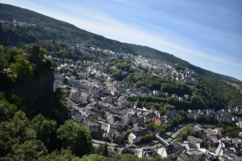 Aussicht auf Burg Nohfelden und Idar-Oberstein