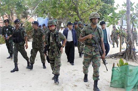 Armed Thai soldiers