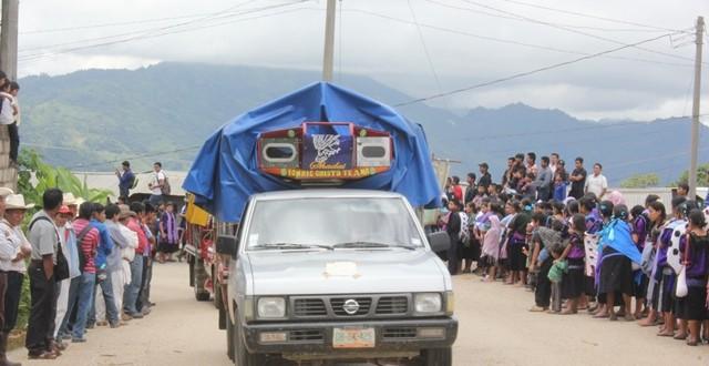 Se trasladan familias desplazadas de la colonia Puebla de la comunidad Yabteclum a Acteal